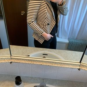 ~Le Chateau~ Striped Blazer